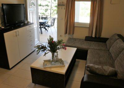 Apartment 2 - 09